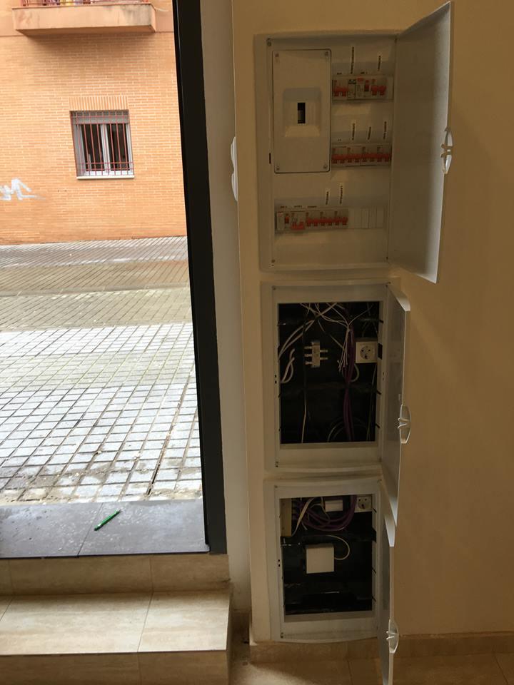 http://www.metelcor.es/wp-content/uploads/2016/04/metelcor-instalacion-electrica-loft-calle-betis-4.jpg